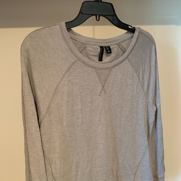 Sweaters - Comfy Gray Sweater